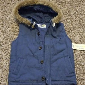 Fur trim hooded Puffer vest.